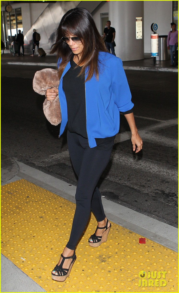 eva longoria returns to l a just in time for devious maids 023100693