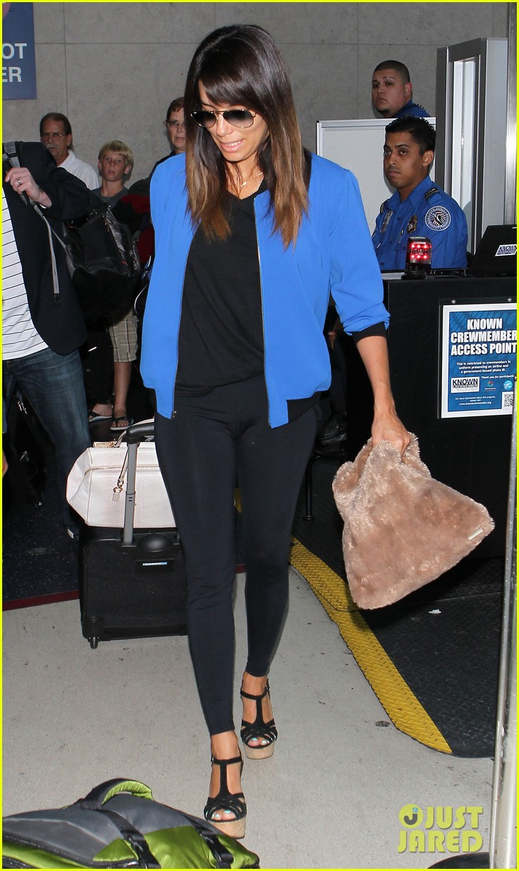 eva longoria returns to l a just in time for devious maids 053100696