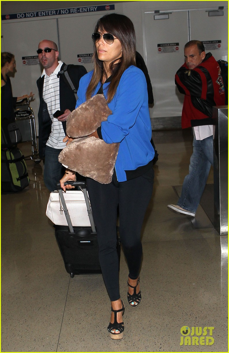 eva longoria returns to l a just in time for devious maids 063100697