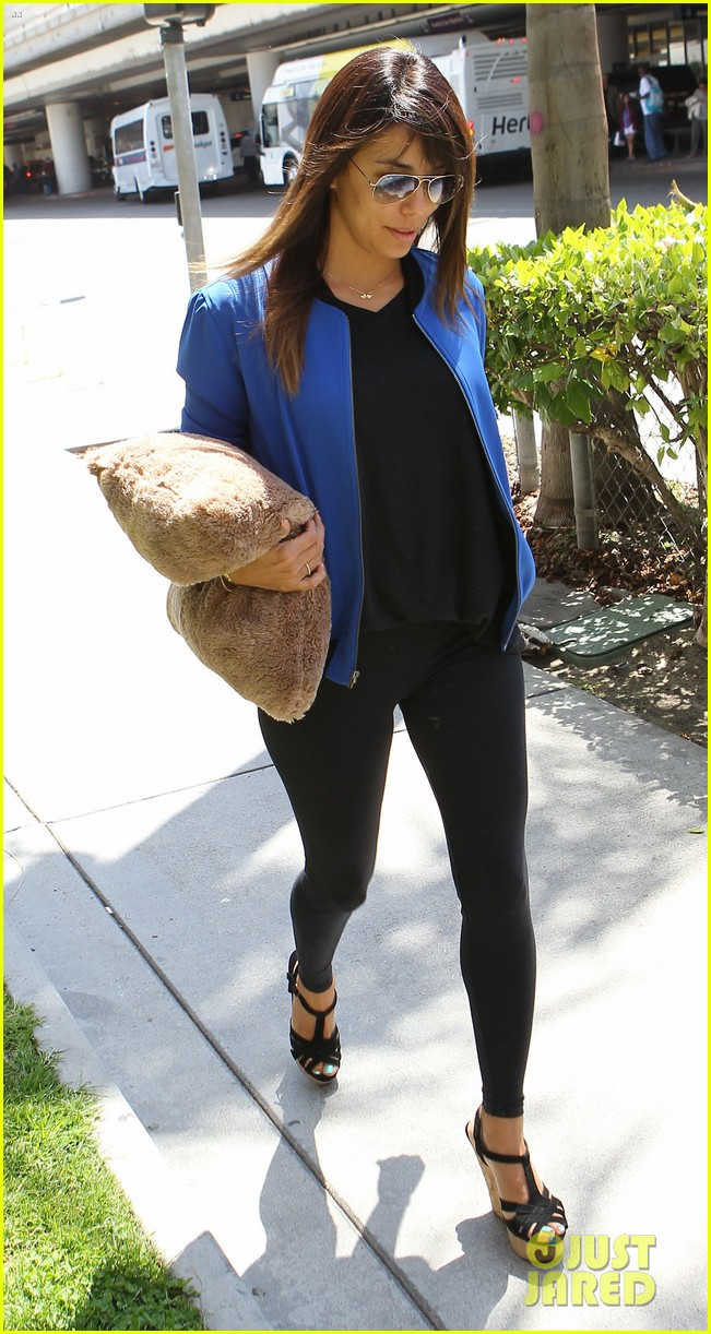 eva longoria returns to l a just in time for devious maids 093100700