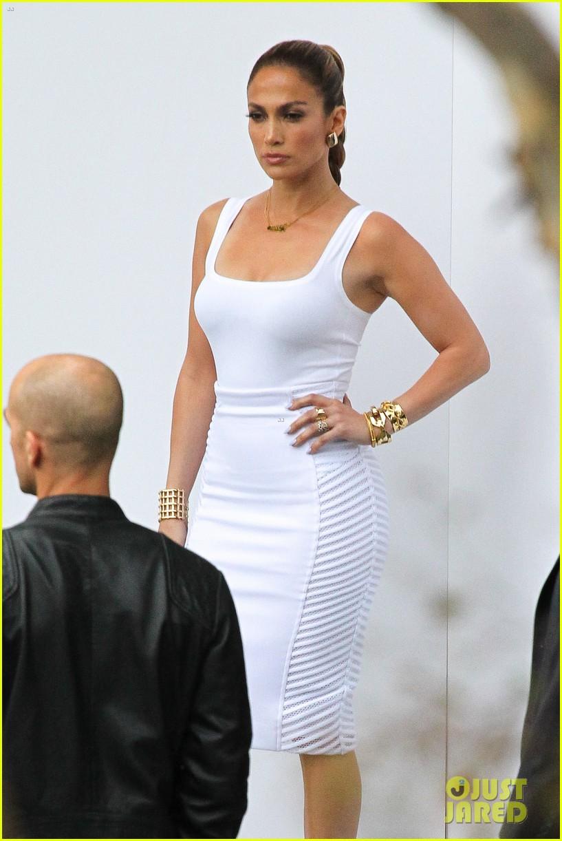 jennifer lopez white hot form fitting dress idol 043088718