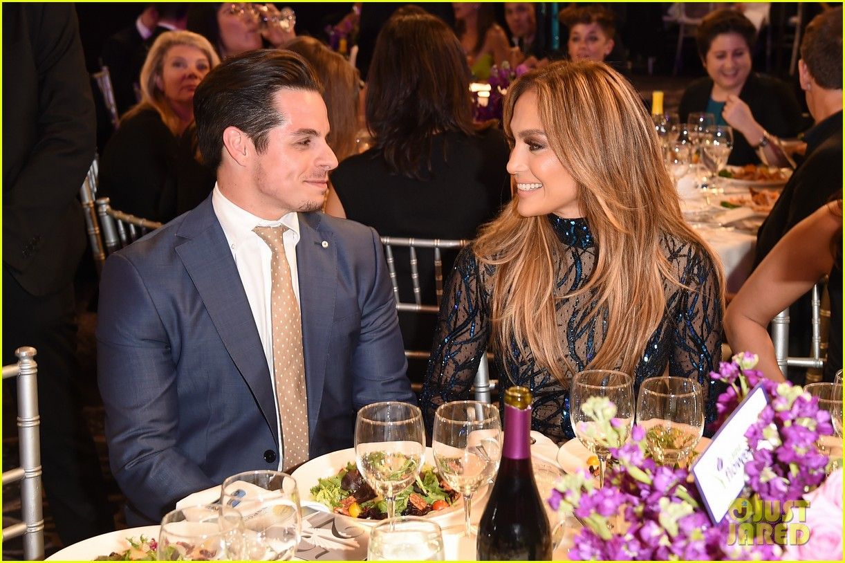 jennifer lopez glaad vanguard award boyfriend casper smart 093090037