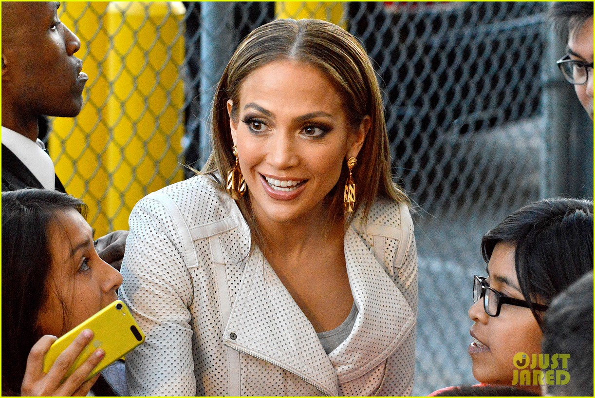 jennifer lopez teaches jimmy kimmel the words to i luh ya papi 133101266