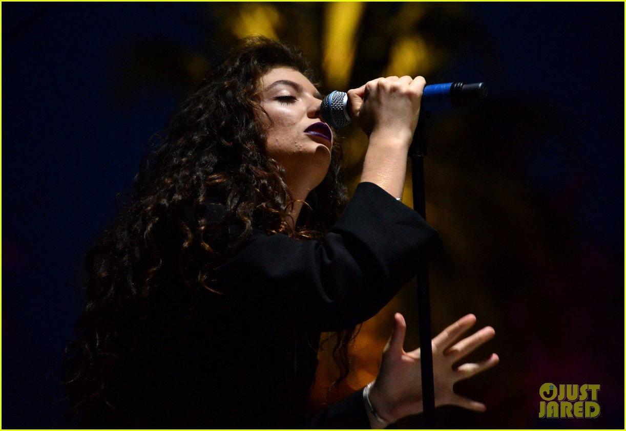lorde means business second coachella performance 053095756