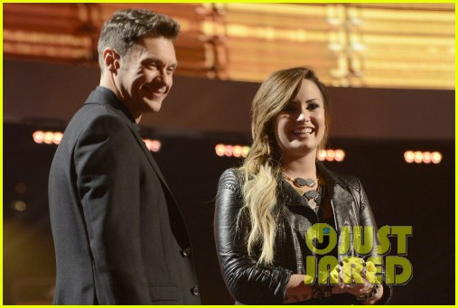 demi lovato surprises american idol audience teases more us tour dates 013093869