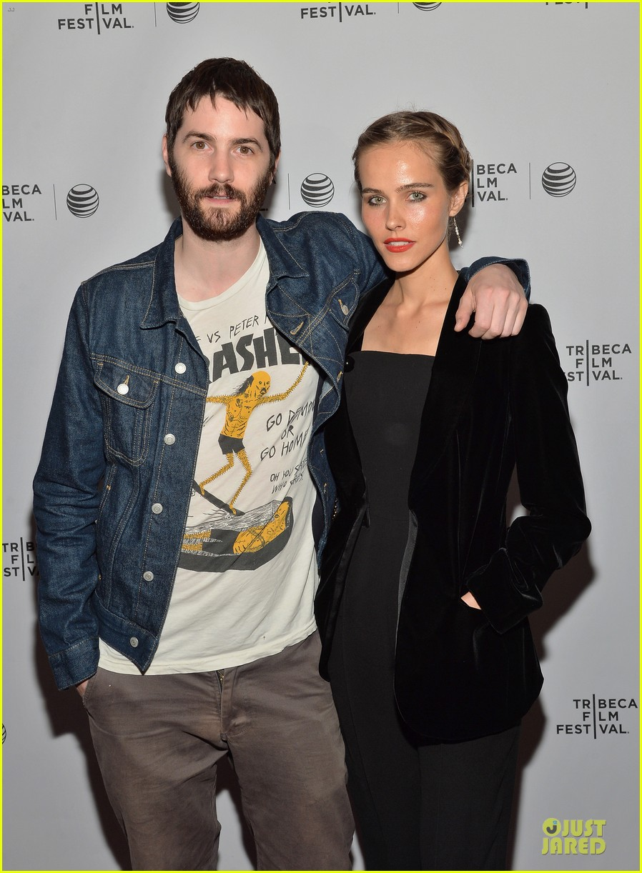 isabel lucas jim sturgess bring electric slide to tribeca 023097045