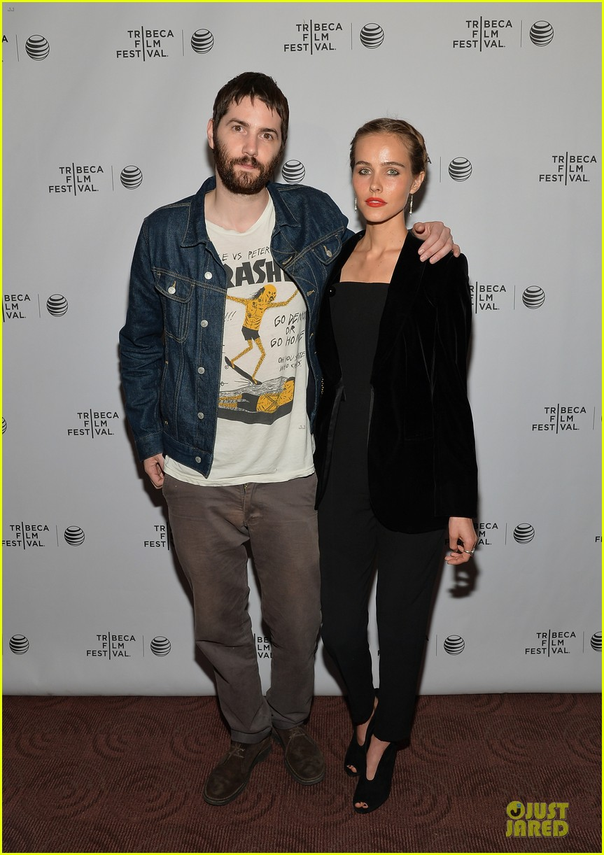 isabel lucas jim sturgess bring electric slide to tribeca 093097052