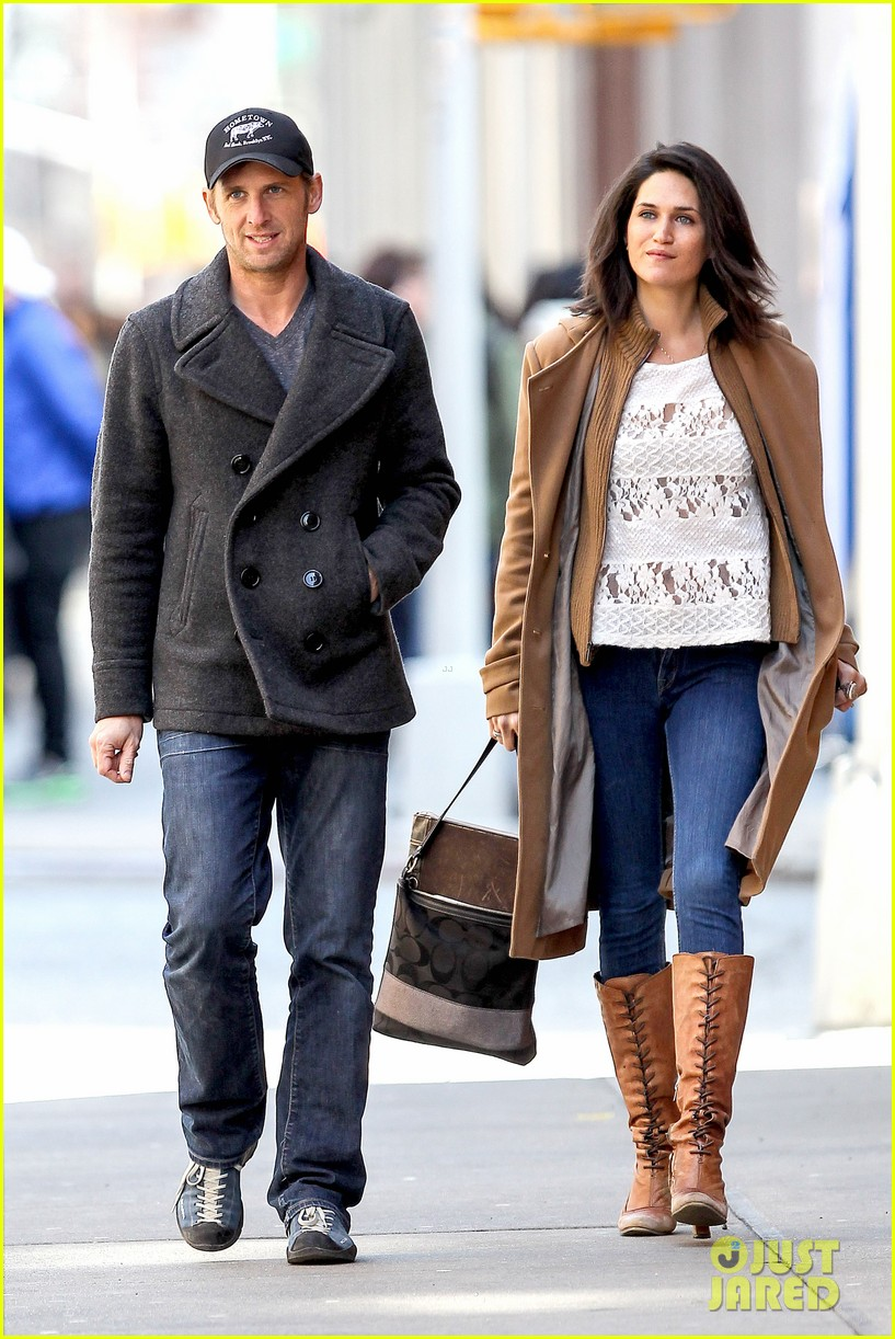 josh lucas jessica ciencin henriquez look very lovey dovey after divorce announcement 01
