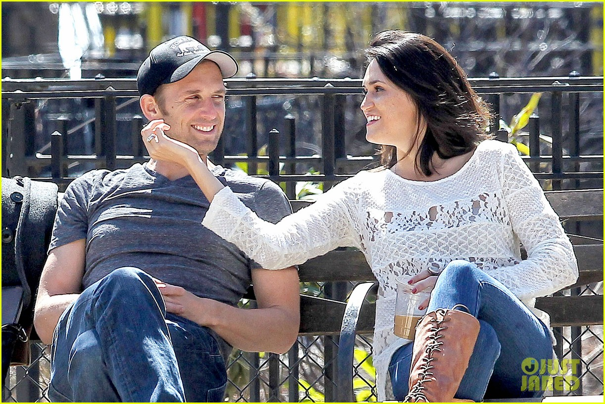 josh lucas jessica ciencin henriquez look very lovey dovey after divorce announcement 063084585
