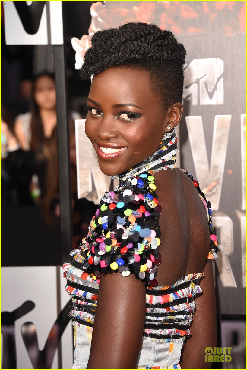 lupita nyongo open back at mtv movie awards 023091206