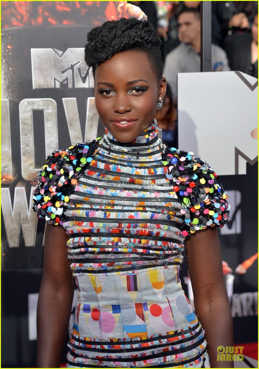 lupita nyongo open back at mtv movie awards 043091208