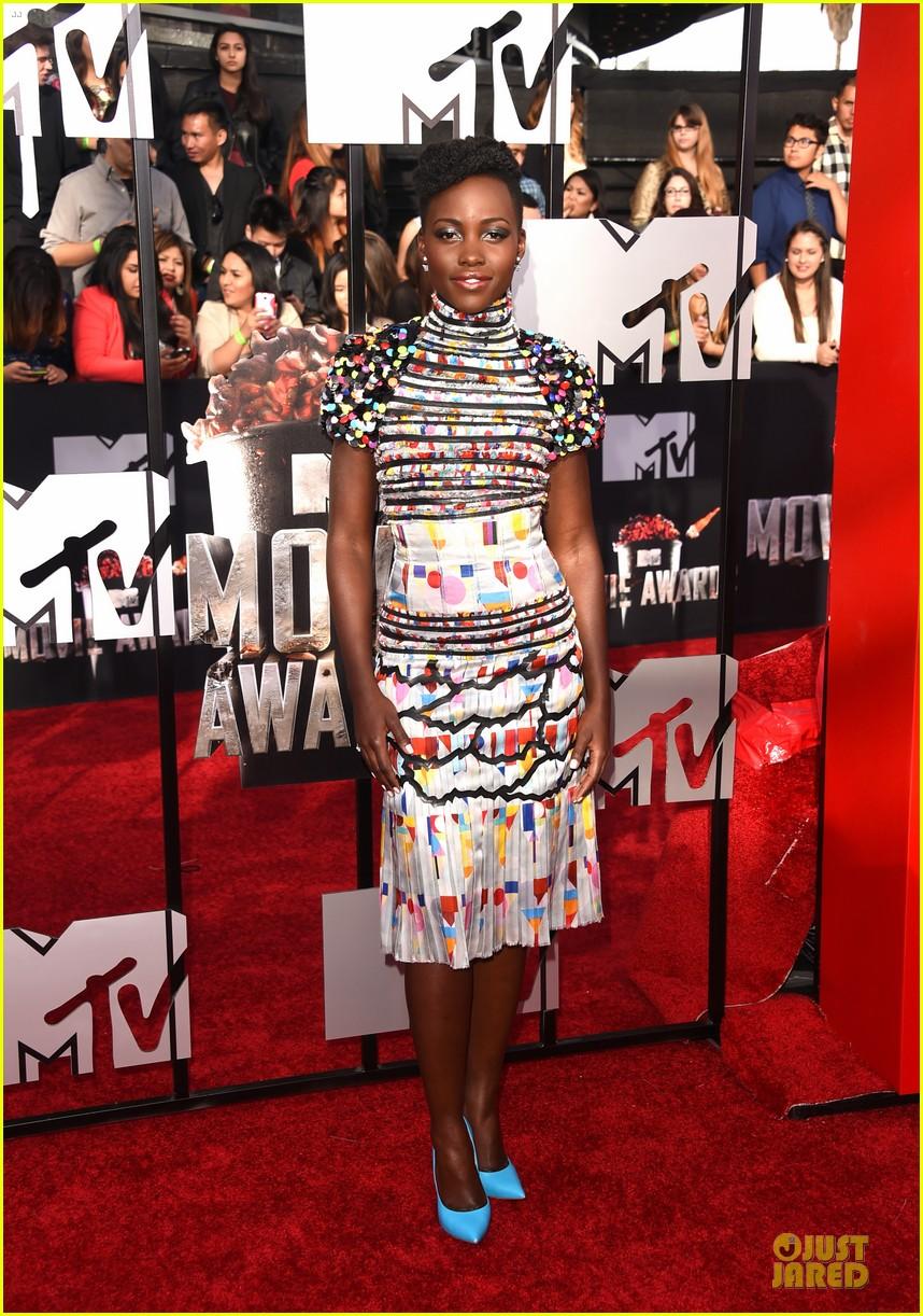 lupita nyongo open back at mtv movie awards 063091210