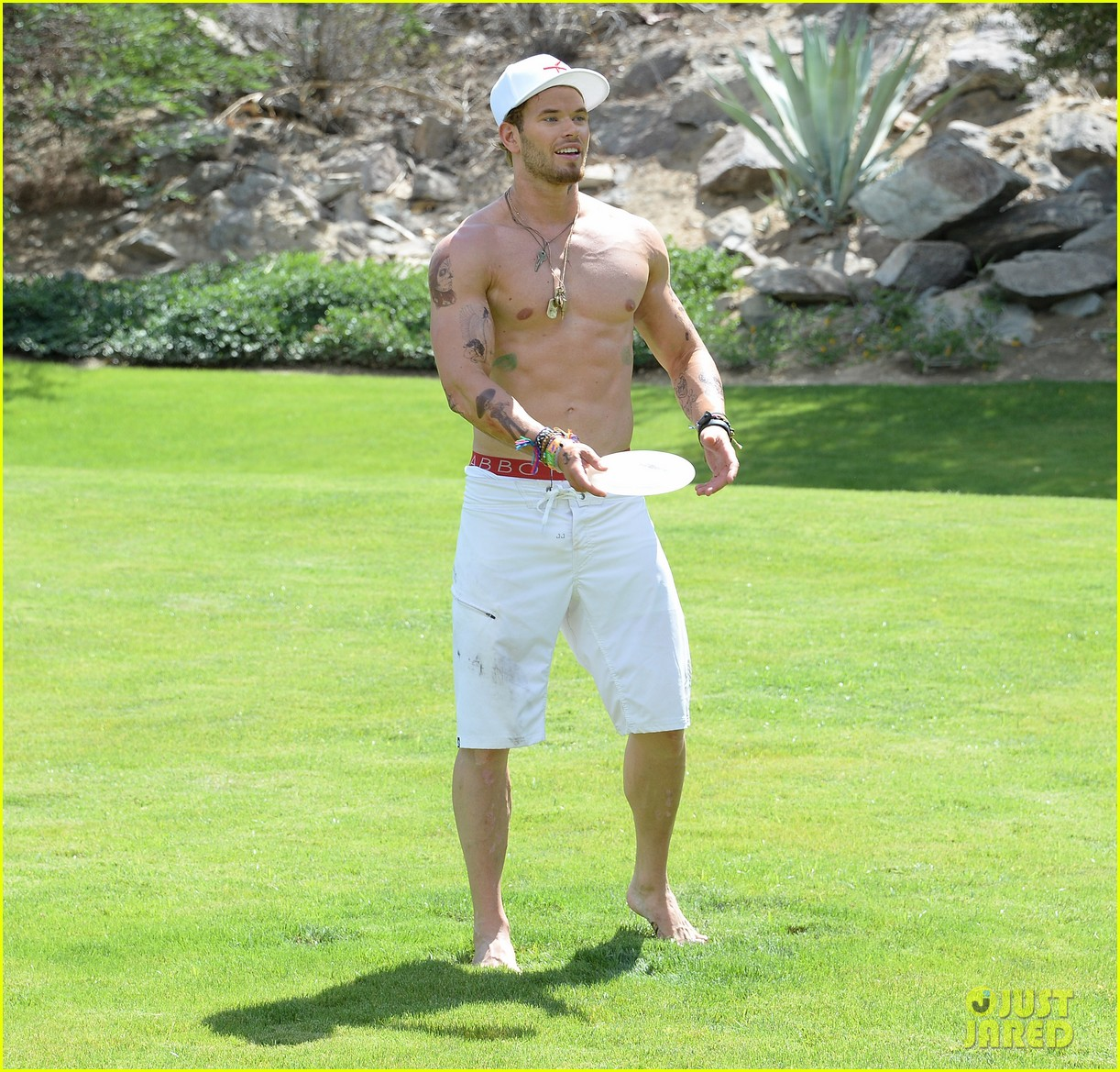 kellan lutz ashley greene show off beach bodies coachella pool party 22