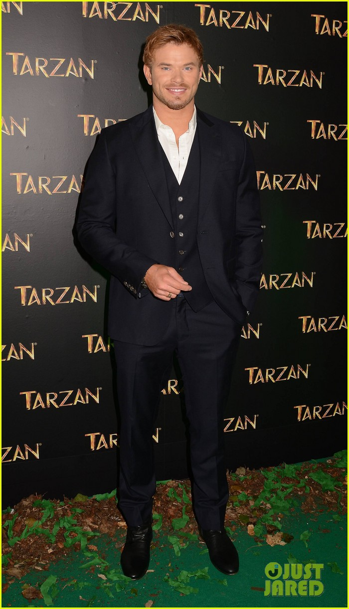 kellan lutz makes one fans day at tarzan ireland premiere 053097645