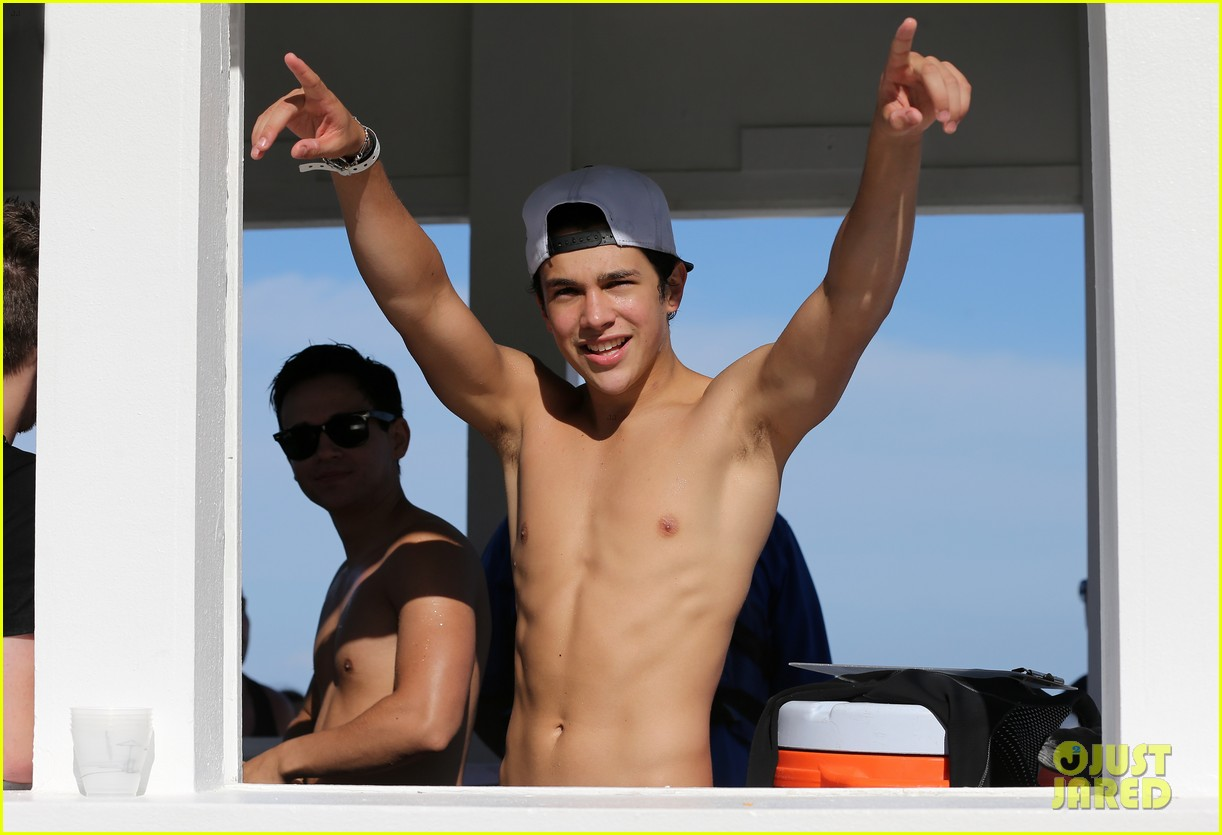 austin mahone shirtless beachside selfies with fans 253085299