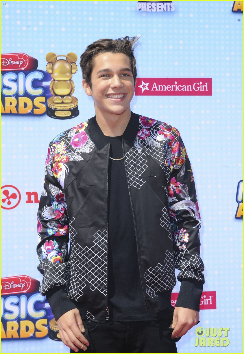 austin mahone cody simpson gigi hadid radio disney music awards 2014 10