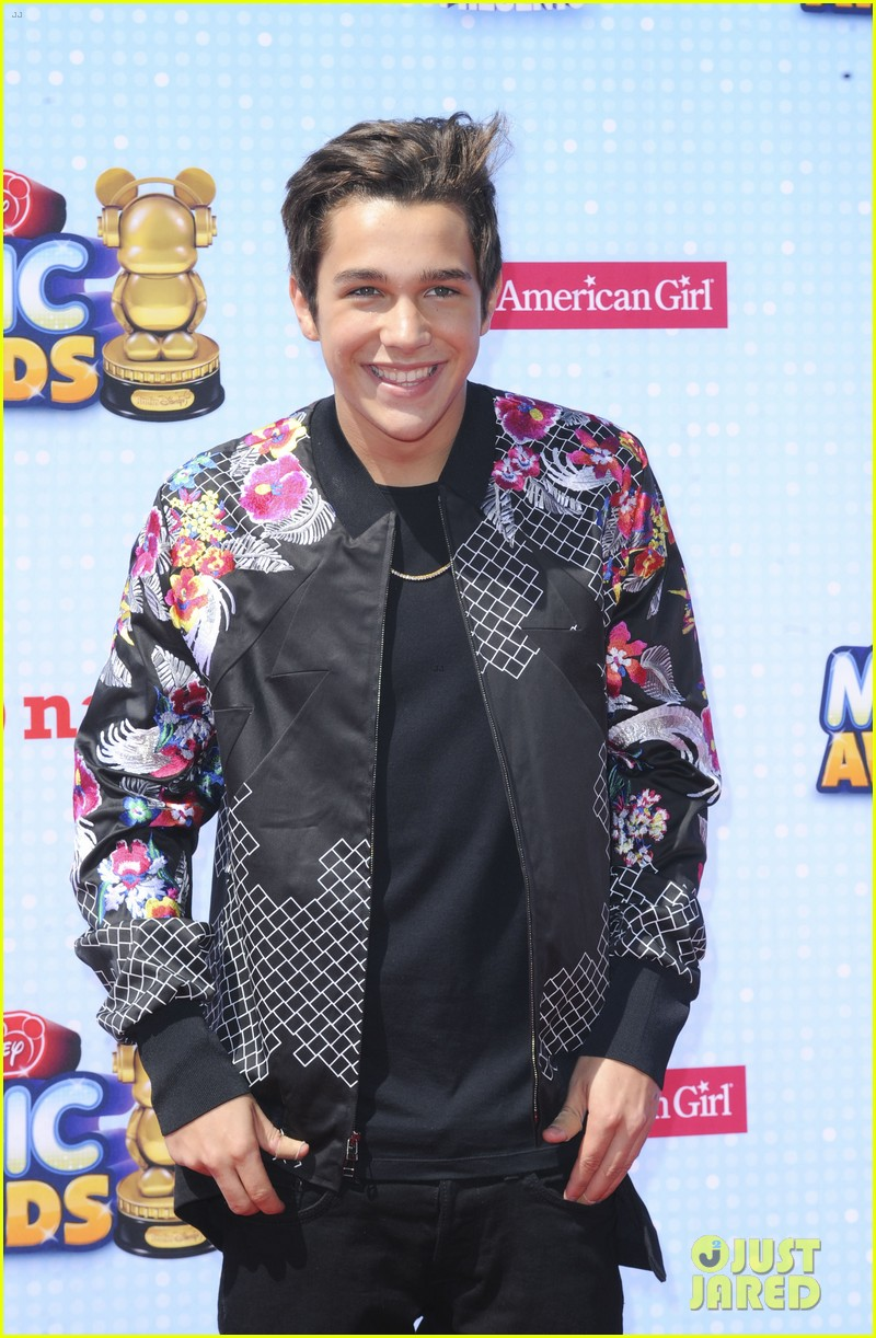 austin mahone cody simpson gigi hadid radio disney music awards 2014 113099858