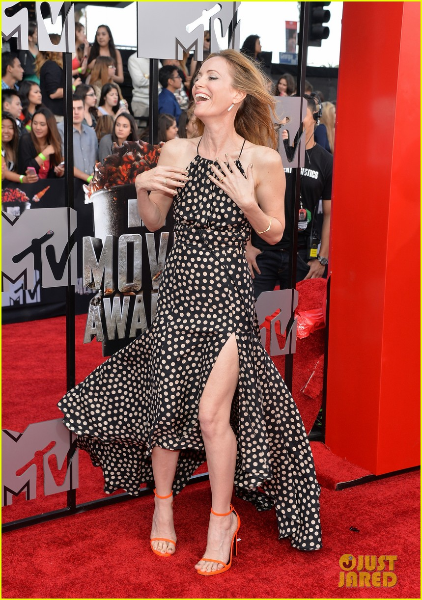 leslie mann brings the whole family to the mtv movie awards 2014 083091115