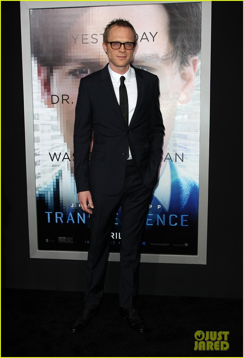 kate mara paul bettany transcendence premiere 053088869