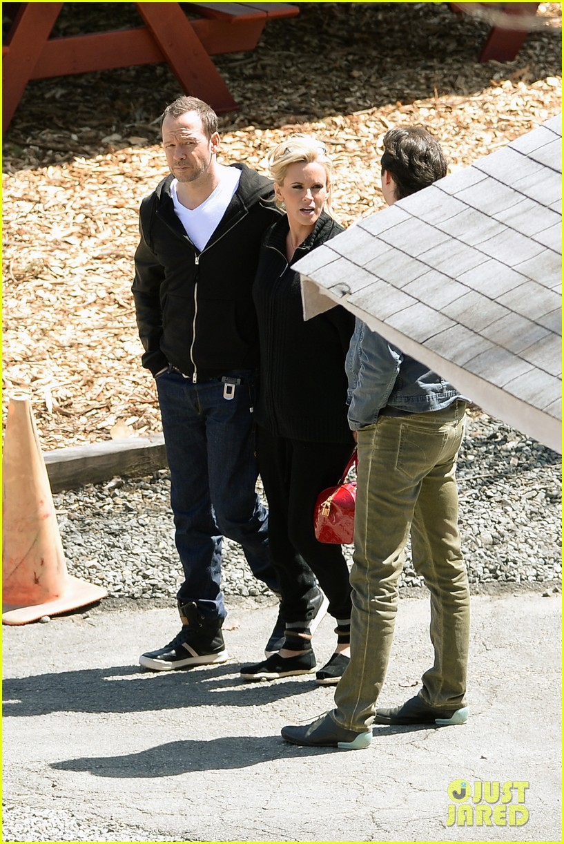 jenny mccarthy donnie wahlberg spotted upstate new york 143094130