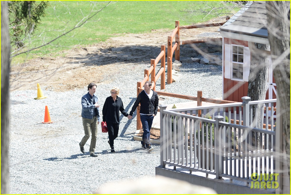 jenny mccarthy donnie wahlberg spotted upstate new york 163094132