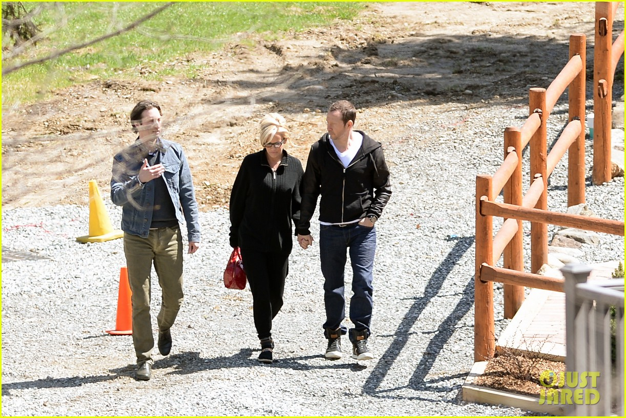 jenny mccarthy donnie wahlberg spotted upstate new york 173094133