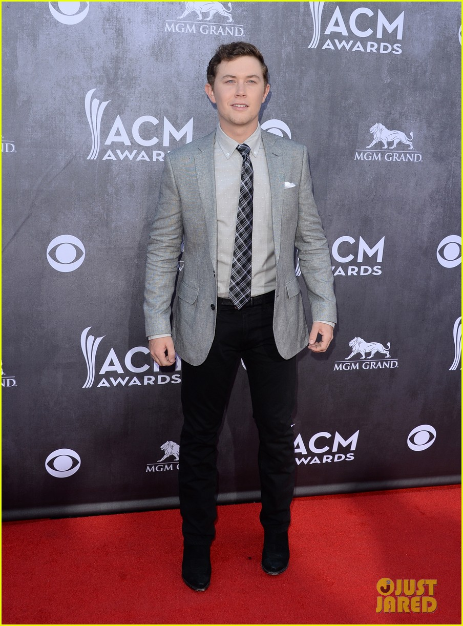 scotty mccreery acm awards 2014 red carpet 033085722