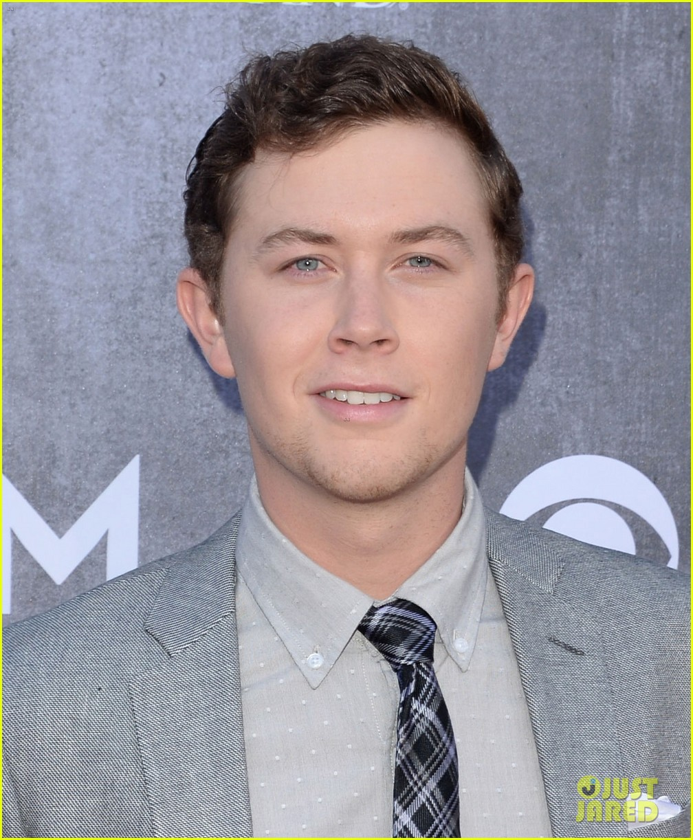 scotty mccreery acm awards 2014 red carpet 04
