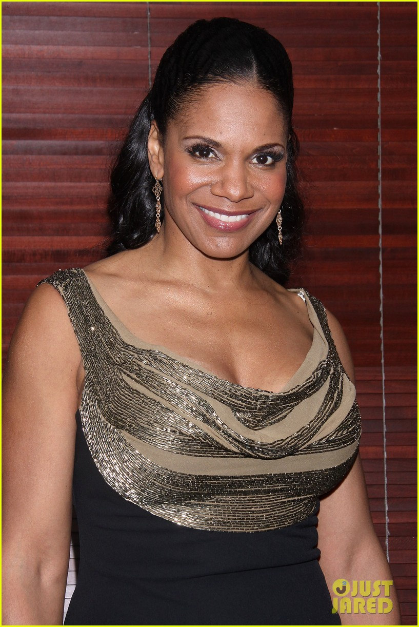 audra mcdonald makes debut as billie holiday on broadway 14