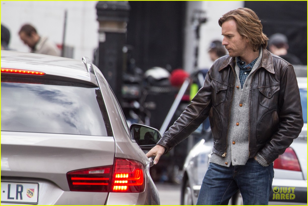 ewan mcgregor looks serious as kind of traitor 083094854