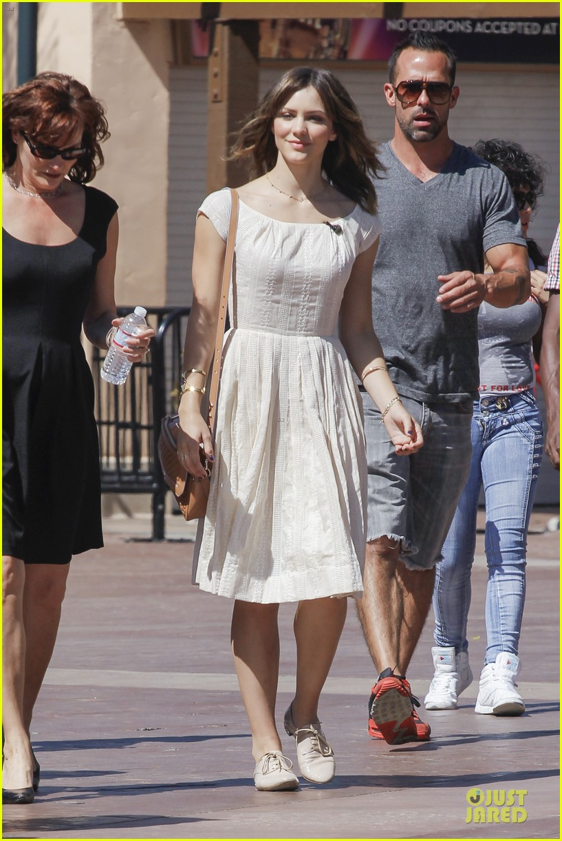 katharine mcphee enchanted by mike vogel 163092440
