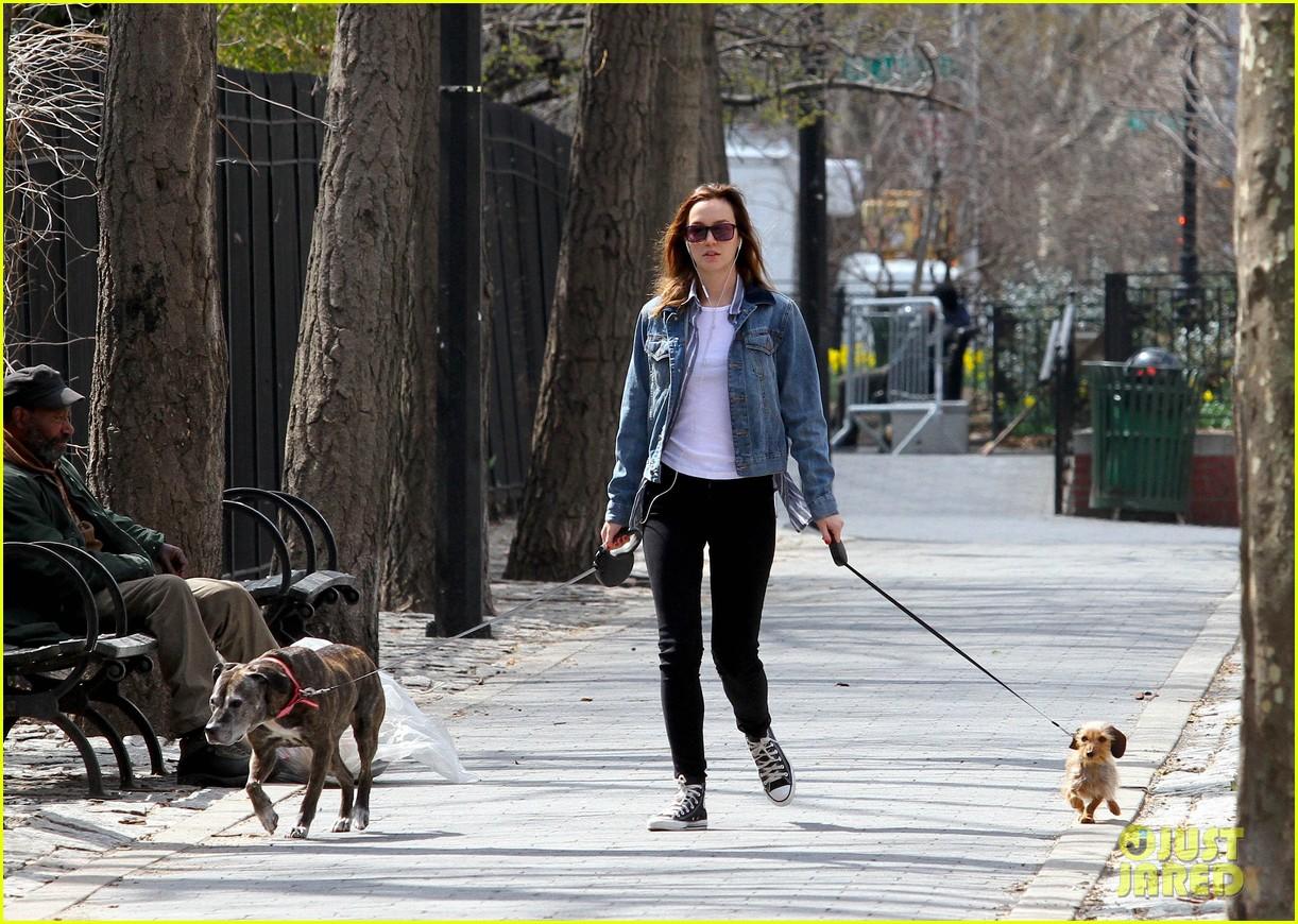 leighton meester birthday dog walk 043088152