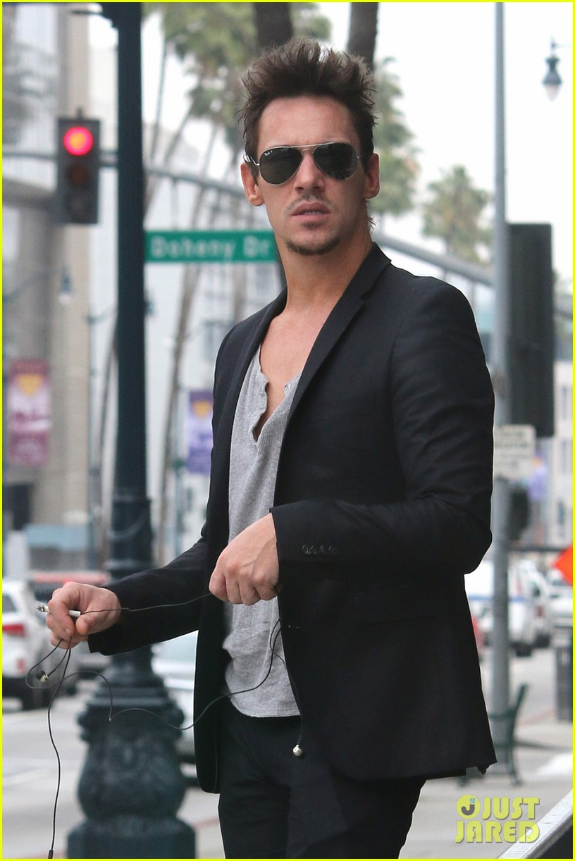 jonathan rhys meyers pictures are a great friday treat 023089091