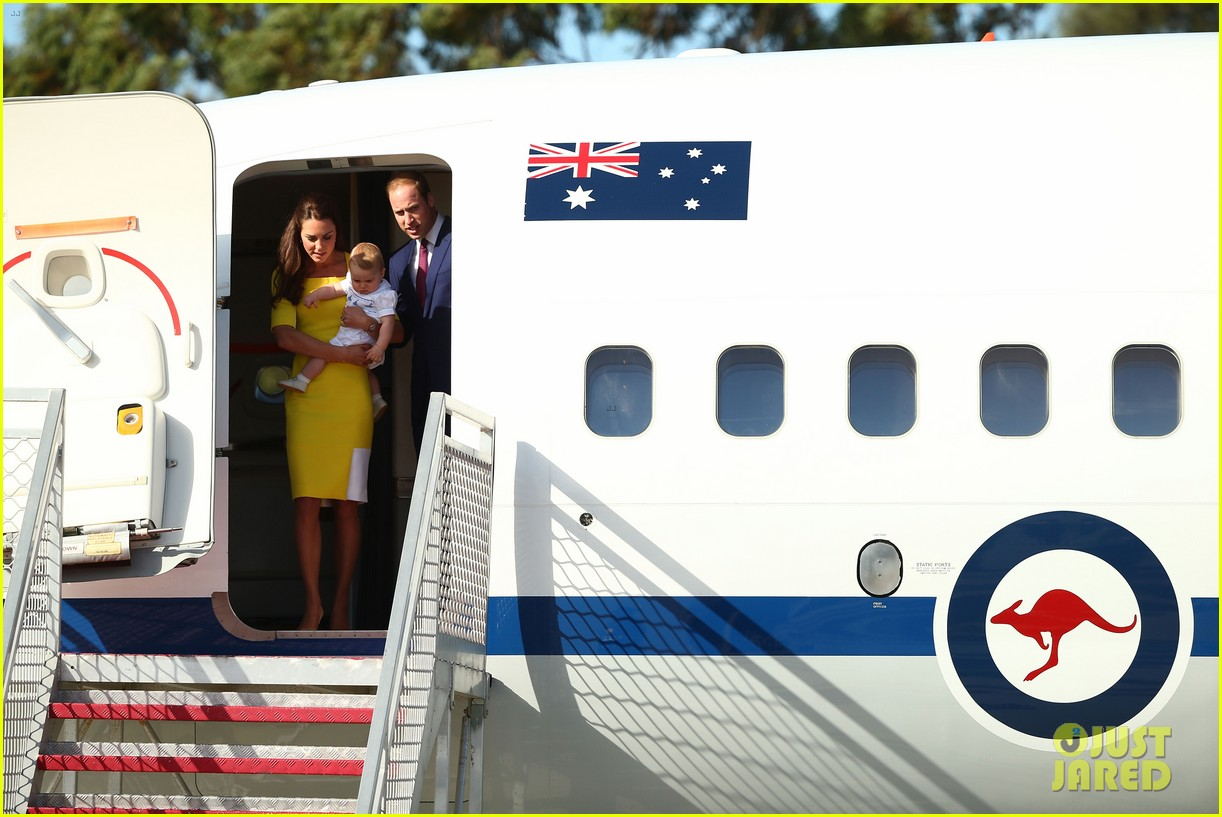kate middleton changes into yellow dress to arrive in australia 033093086
