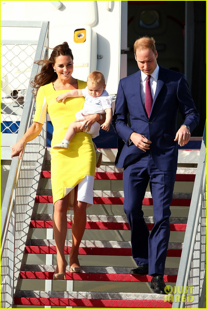 kate middleton changes into yellow dress to arrive in australia 063093089