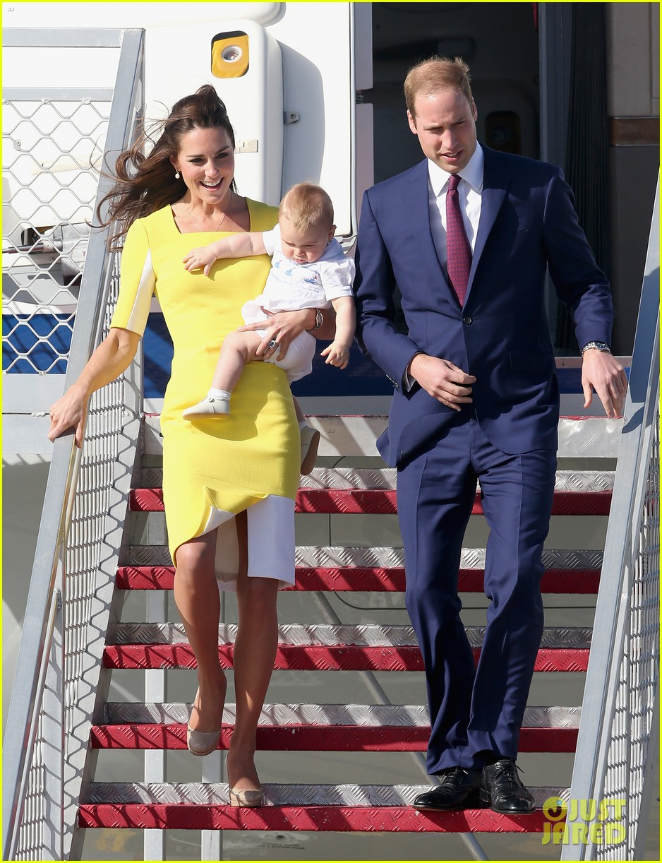 kate middleton changes into yellow dress to arrive in australia 07