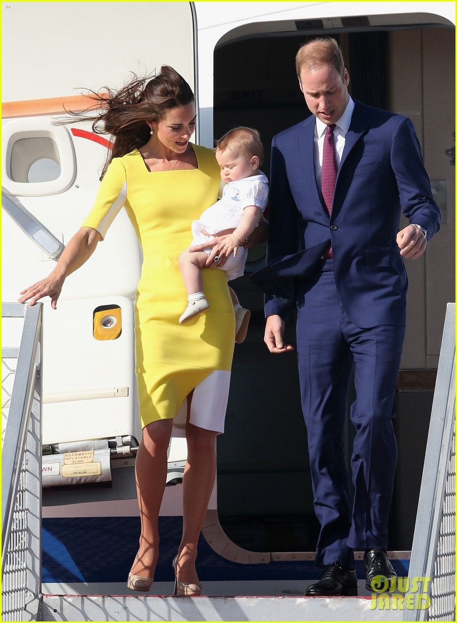 kate middleton changes into yellow dress to arrive in australia 123093095