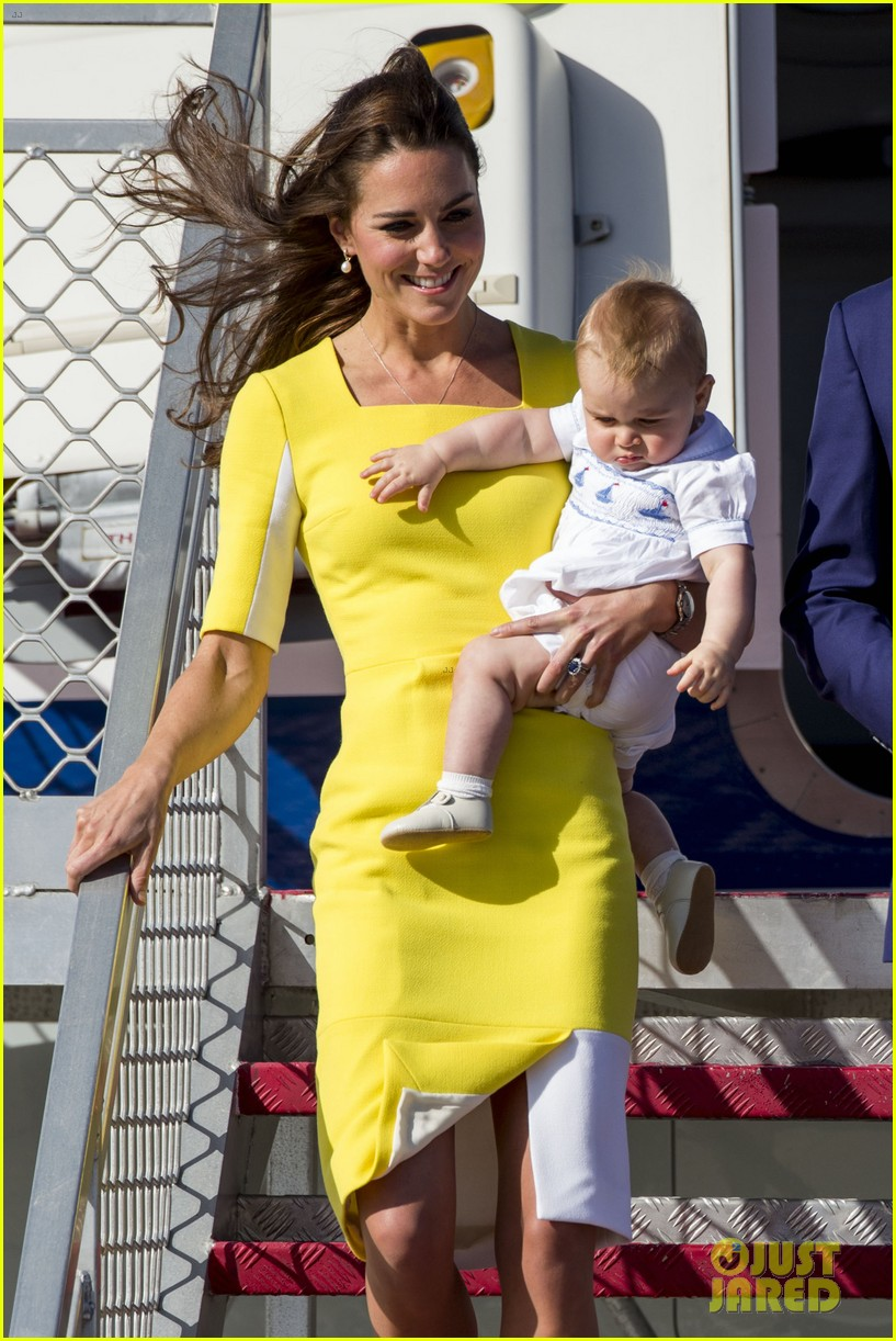 kate middleton changes into yellow dress to arrive in australia 233093106