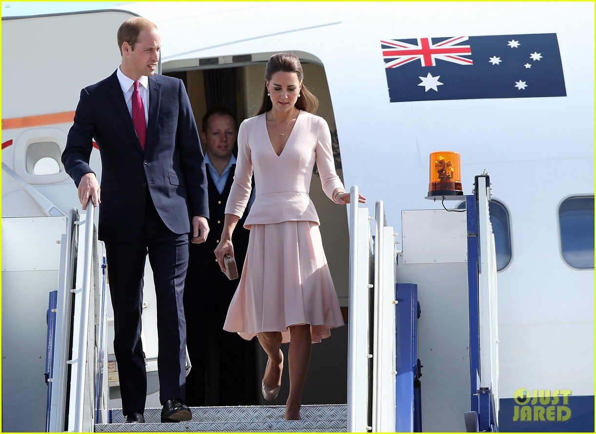 kate middleton prince william hit the dj booth 073097193