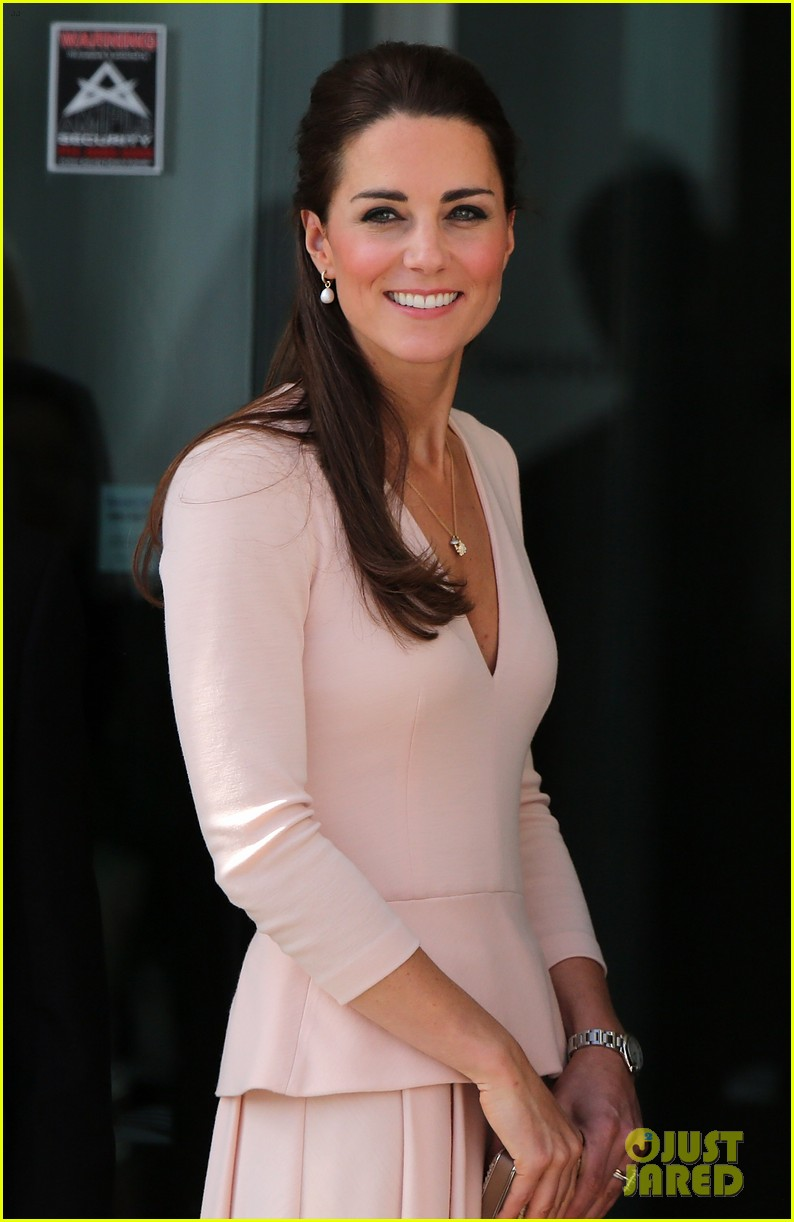 kate middleton prince william hit the dj booth 123097198