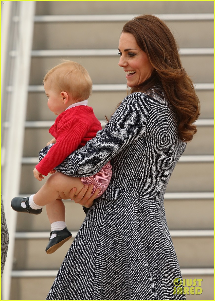 kate middleton prince william prince george say goodbye to australia 193098865
