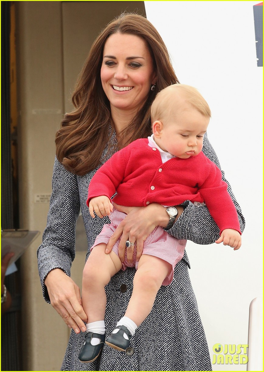 kate middleton prince william prince george say goodbye to australia 263098872