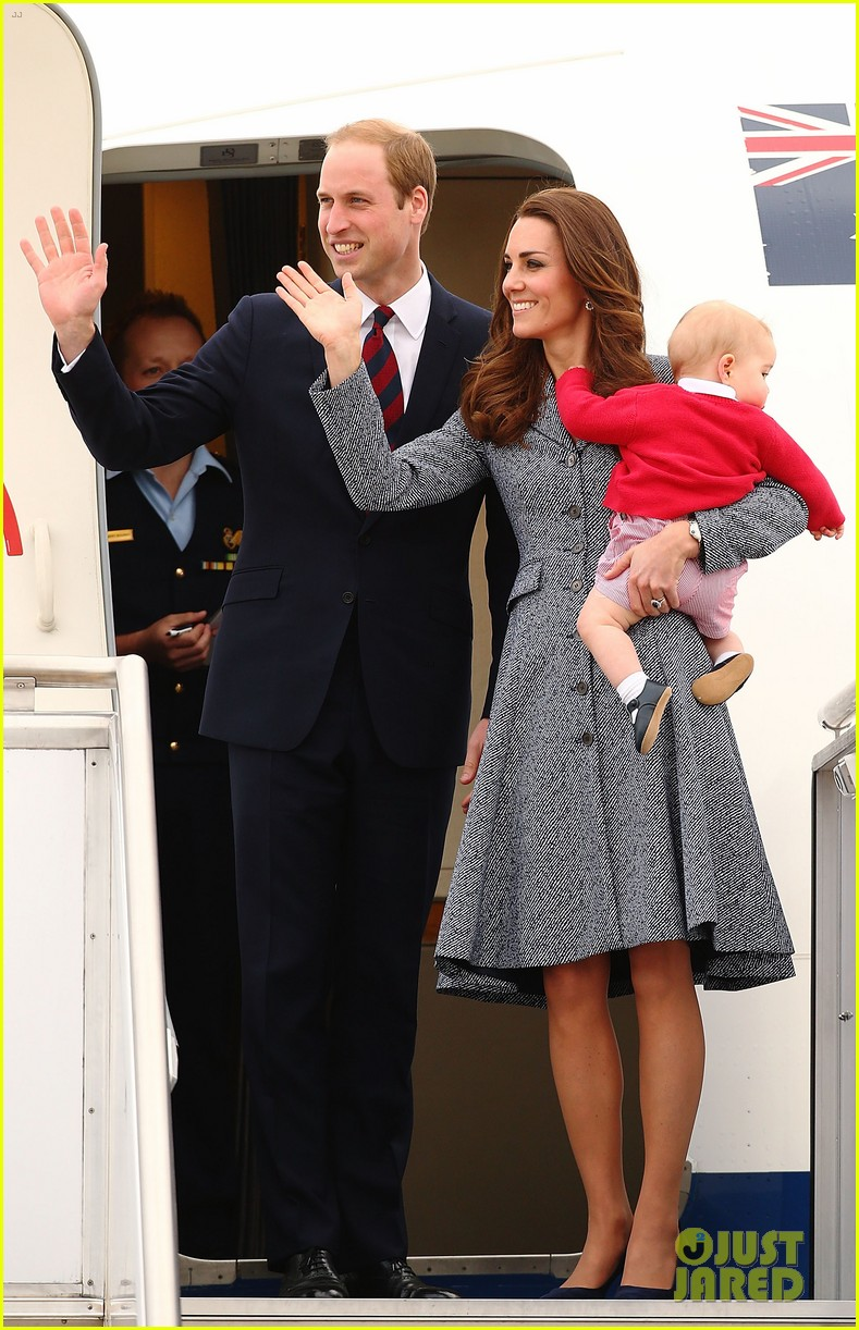 kate middleton prince william prince george say goodbye to australia 323098878