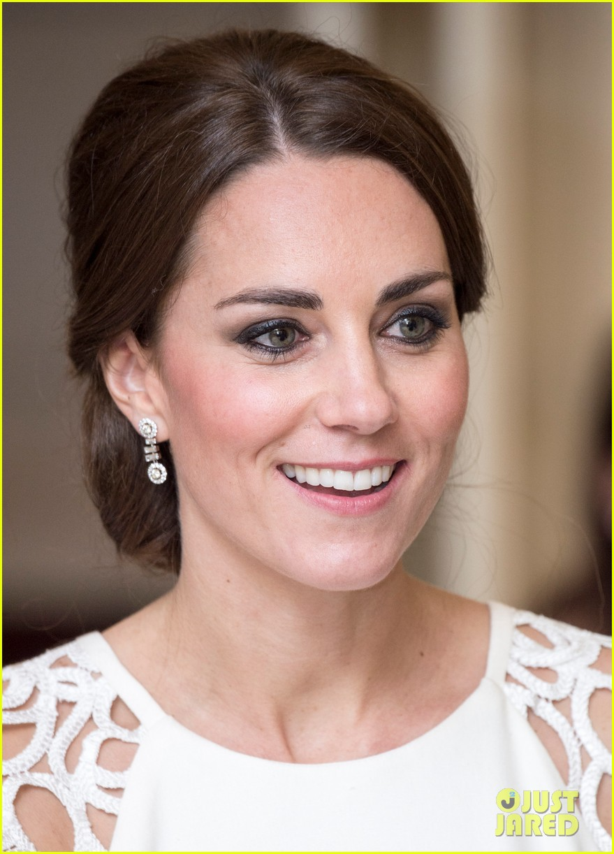 kate middleton wraps up royal tour with one of her loveliest looks yet 023098269