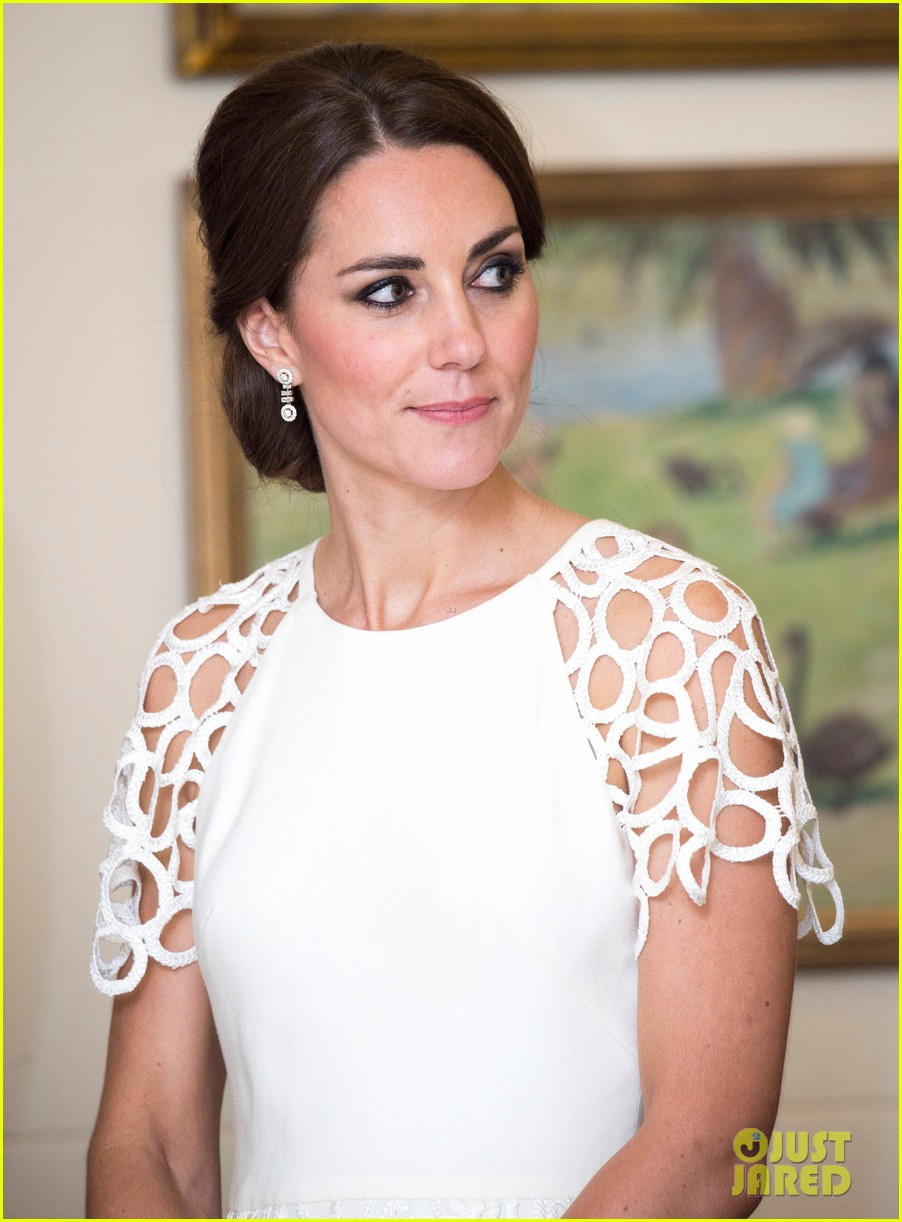 kate middleton wraps up royal tour with one of her loveliest looks yet 093098276