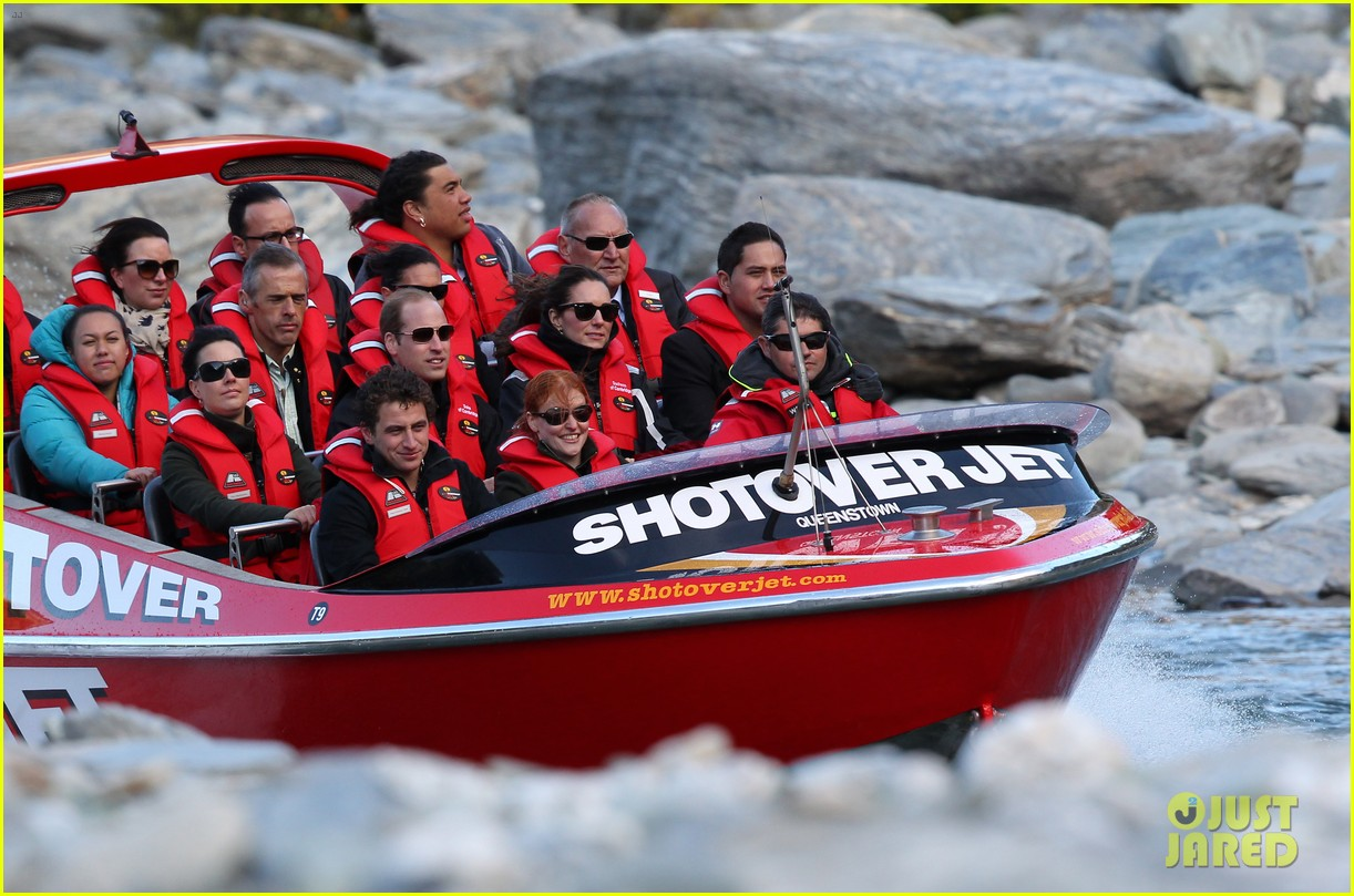 kate middleton prince william speed boat ride 193090405