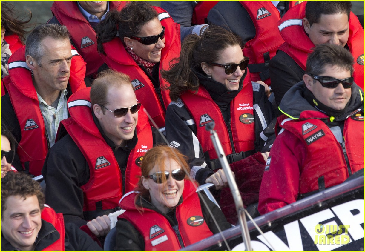 kate middleton prince william speed boat ride 223090408