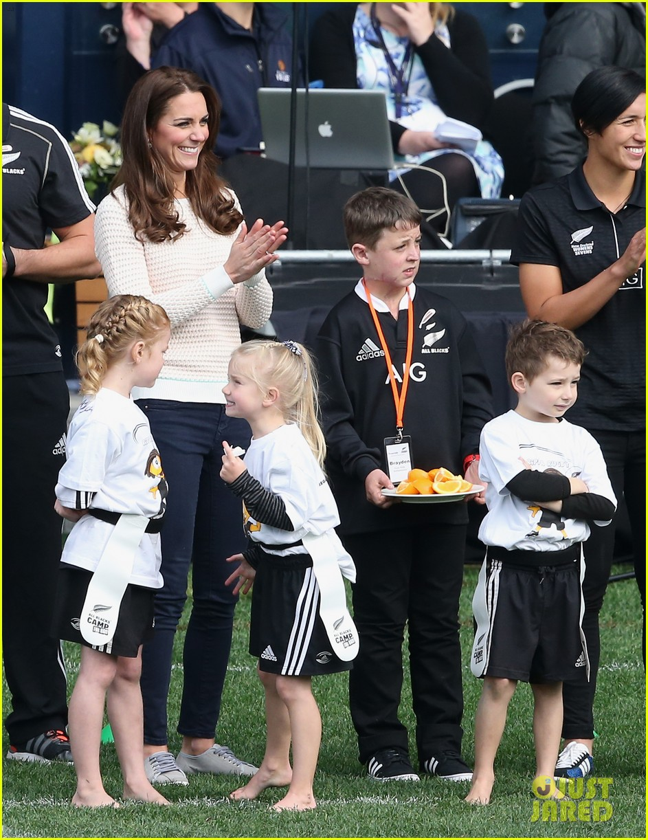 kate middleton prince william speed boat ride 293090415