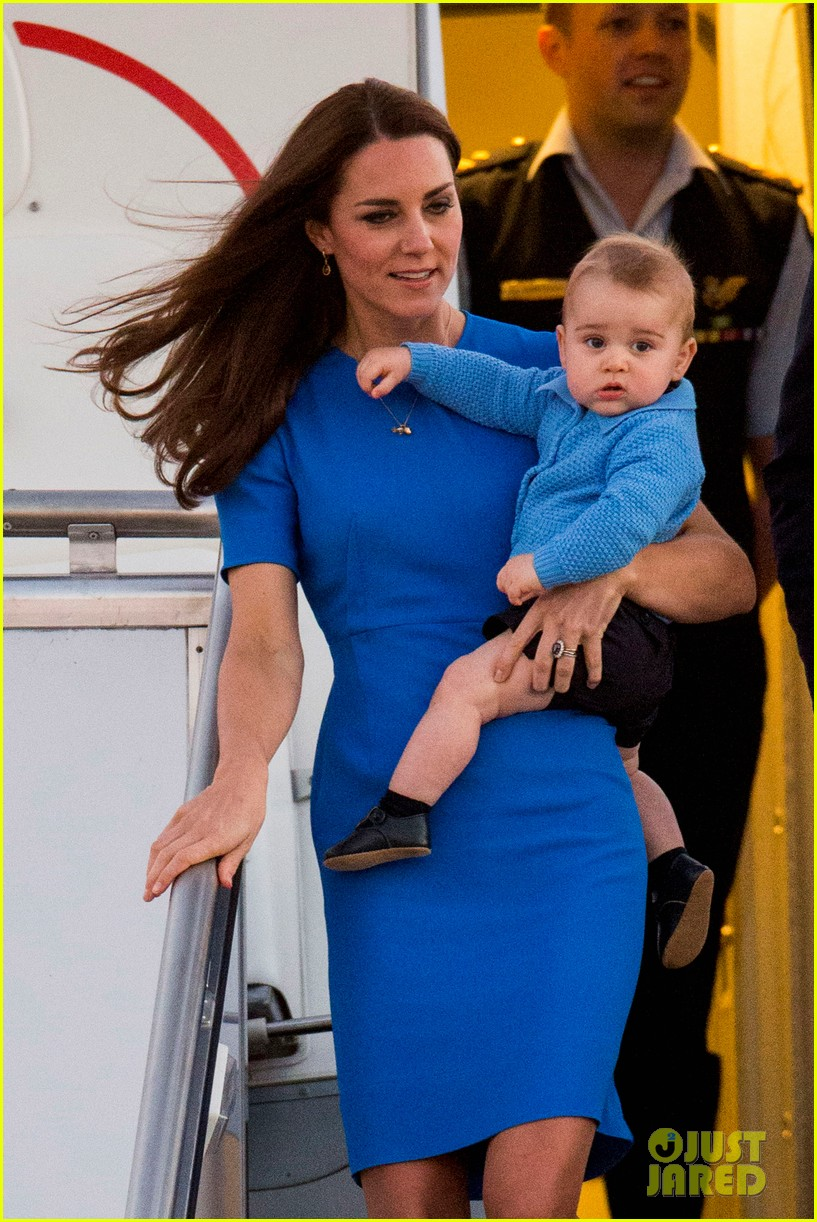 kate middleton wears third gorgeous dress on easter sunday 043095854