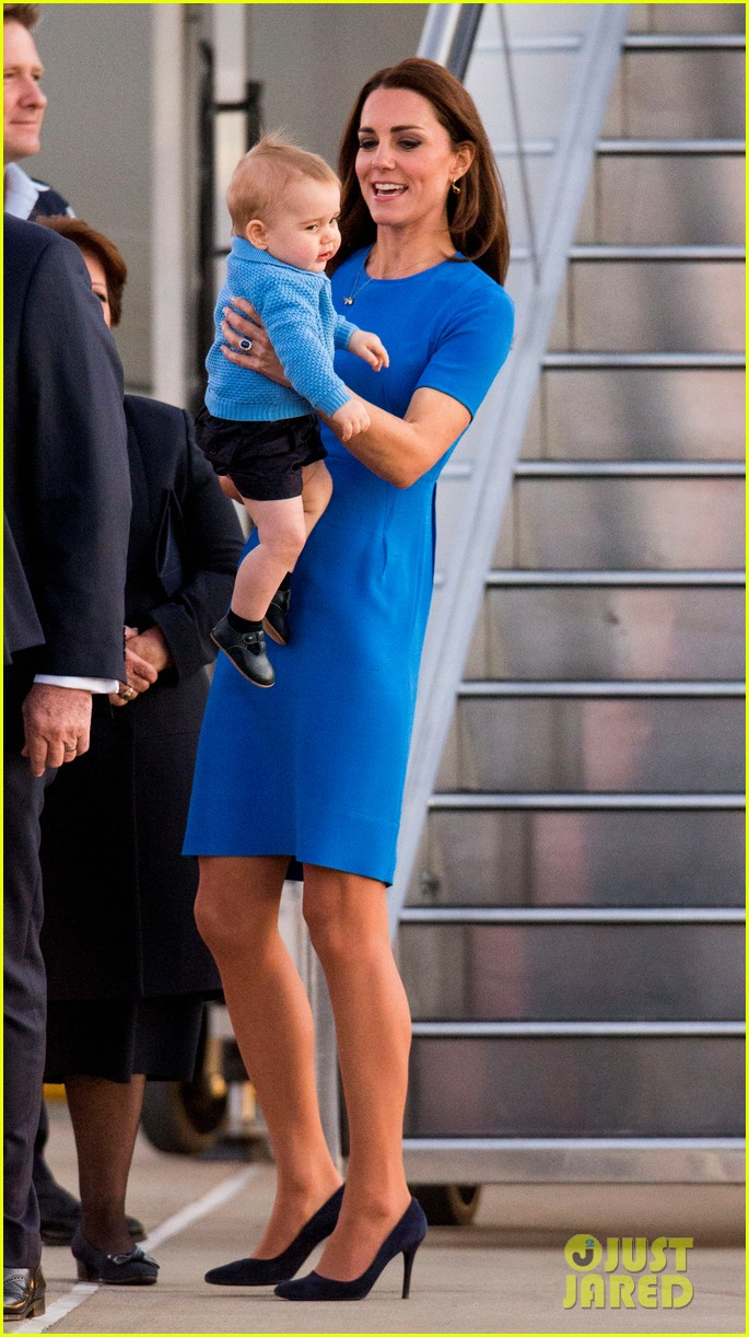 kate middleton wears third gorgeous dress on easter sunday 063095856